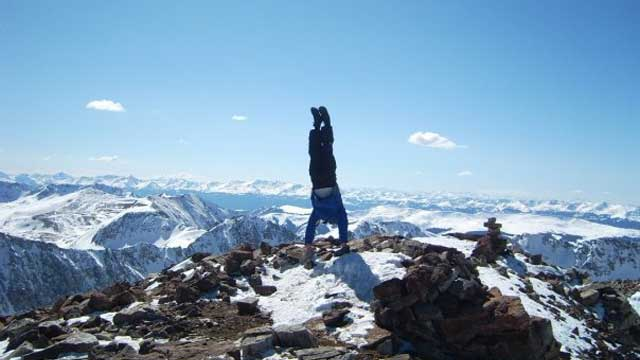 mountain-handstand